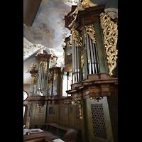 Praha (Prag), Klášter Bazilika Nanebevzetí Panny Marie (Klosterkirche), Hauptorgel, Hauptorgel in der Klosterkirche, Ansicht seitlich