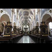 Praha (Prag), Klášter Bazilika Nanebevzetí Panny Marie (Klosterkirche), Hauptorgel, Innenraum in Richtung Chor