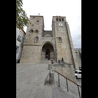 Évora (Evora), Catedral, Fassade