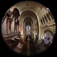 Évora (Evora), Catedral, Blick von der Westempore auf die Orgel und ins Hauptschiff