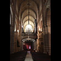 Évora (Evora), Catedral, Hauptschiff in Richtung Westenpore und Orgel