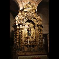 Évora (Evora), Catedral, Vergoldeter Seitenaltar im hauptschiff