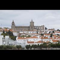 Évora (Evora), Catedral, Außenansicht von Weitem