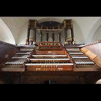 Dresden (Strehlen), Christuskirche, Orgel mit Spieltisch perspektivisch