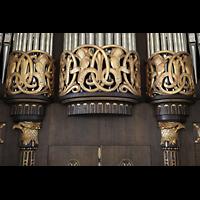 Dresden (Strehlen), Christuskirche, Jugendstil-Verzierungen am Orgelprospekt