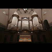 Dresden - Striesen, Versöhnungskirche, Spieltisch mit Orgel