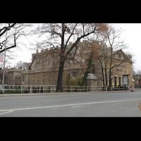 Görlitz, Stadthalle, Außenansicht vom Stadtpark aus