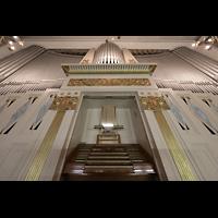 Görlitz, Stadthalle, Orgel mit Spieltisch perspektivisch