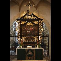 Freiberg, Dom St. Marien (Lettnerorgel), Altar mit Retabel von 1649, Gemälde von 1560 und Kruzifix von 1620
