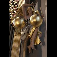 Freiberg (Sachsen), Dom St. Marien (Hauptorgel), Figurenschmuck an der großen Silbermann-Orgel: Paukenspielender Engel
