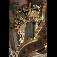 Freiberg, Dom St. Marien (Lettnerorgel), Prospektpfeifen des Oberwerks mit Figurenschmuck