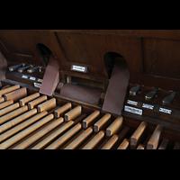 Bautzen, Dom St. Petri (Eule-Orgel im evangelischen Teil), Pedaltasten und Tritte der Eule-Orgel
