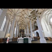 Bautzen, Dom St. Petri (Eule-Orgel im evangelischen Teil), Blick vom evangelischen Altar zum Chorraum mit Kohl-Orgel (katholischer Teil)