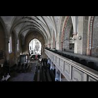 Görlitz, Dreifaltigkeitskirche, Blick von der Seitenempore im Hauptschiff zum Chor