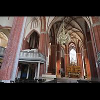 Brandenburg, St. Katharinen (Hauptorgelanlage), Vierung mit neuem Solowerk im Schwellkasten auf der nördlichen Seitenempore