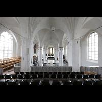 Rostock, St. Nikolai, Blick von der Westempore in die Kirche in Richtung Chor