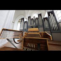 Rostock, St. Nikolai, Spieltisch mit Orgel perspektivisch
