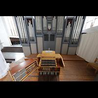 Rostock, St. Nikolai, Spieltisch mit Orgel schräg von oben