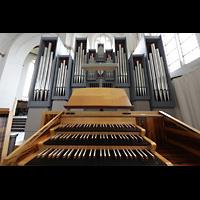 Rostock, St. Nikolai, Spieltisch mit Orgel