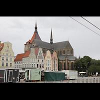 Rostock, St. Marien (Turmorgel), Blick über den Neuen Markt zur Marienkirche