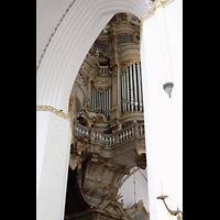 Rostock, St. Marien (Turmorgel), Blick durch die Säulen auf die Orgel