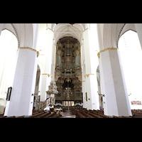 Rostock, St. Marien (Turmorgel), Blick vom Ostchor zur Orgel an der Westwand