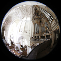 Rostock, St. Marien (Turmorgel), Blick von der Orgelempore zur Orgel und in die Kirche