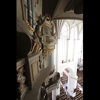 Rostock, St. Marien (Turmorgel), Blick vom Oberwerk auf die Empore und in die Kirche
