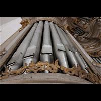 Rostock, St. Marien (Turmorgel), Linker Pedalturm. Man erkennt reparaturbedürftige einsackende Pfeifen