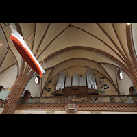 Rostock, Heiligen-Geist-Kirche, Orgel und Kirchenschiff