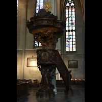 Venlo, Sint Martinus Basiliek, Geschnitzte Barockkanzel von 1701