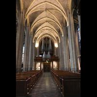 Venlo, Sint Martinus Basiliek, Hauptschiff in Richtung Orgel