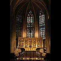 Venlo, Sint Martinus Basiliek, Hauptchor mit neogotischem Hochaltar von Josef Windhausen (19. Jh.)