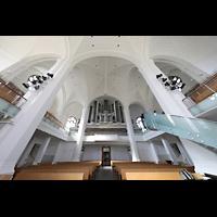 Düsseldorf, Johanneskirche, Innenraum in Richtung Orgel
