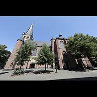 Düsseldorf, Basilika St. Lambertus, Blick vom Stiftsplatz seitlich auf die Basilika