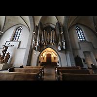Düsseldorf, Basilika St. Lambertus, Innenraum in Richtung Orgel