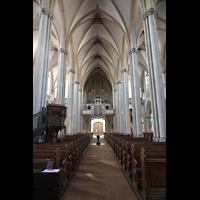 Viersen - Dülken, St. Cornelius und Peter (Hauptorgel), Innenraum in Richtung Orgel unbeleuchtet