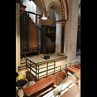 Neuss, Münster St. Quirin(us), Orgelraum im nördlichen Triforium hinter dem Spieltisch