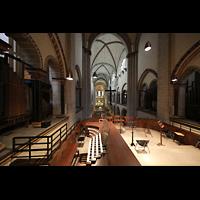 Neuss, Münster St. Quirin(us), Blick über den Spieltisch ins Münster
