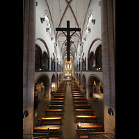 Neuss, Münster St. Quirin(us), Blick von der Orgelempore ins Hauptschiff