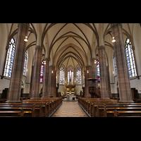 Willich, Pfarrkirche St. Katharina, Innenraum in Richtung Chor