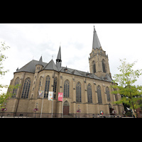 Willich, Pfarrkirche St. Katharina, Seitenansicht von Süden