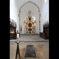 Merseburg, Dom St. Johannes und St. Laurentius, Chor mit Bronzegrabplatte Rudolf von Schwabens aus dem Jahr 1080