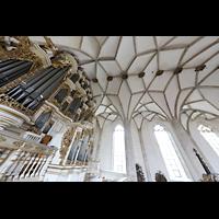 Merseburg, Dom St. Johannes und St. Laurentius, Blick über die Orgel ins Gewölbe