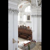 Weingarten, Basilika St. Martin - Chororgel, Blick vom oberen Rundgang in der Vierung auf die Chororgel
