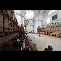 Weingarten, Basilika St. Martin - Chororgel, Seitlicher Blick vom Chorraum auf die Chororgelteile und zur Hauptorgel
