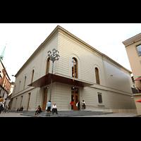 Basel, Stadtcasino, Musiksaal, Außenansicht vom Barfüsserplatz aus