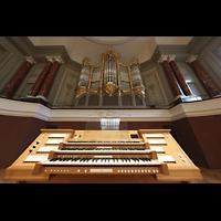 Basel, Stadtcasino, Musiksaal, Mobiler Spieltisch und Orgel