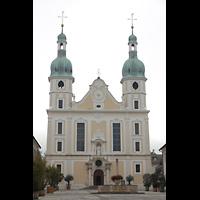 Arlesheim, ehem. Dom, Fassade mit Domplatz