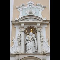 Arlesheim, ehem. Dom, Marienfigur über dem Hauptportal